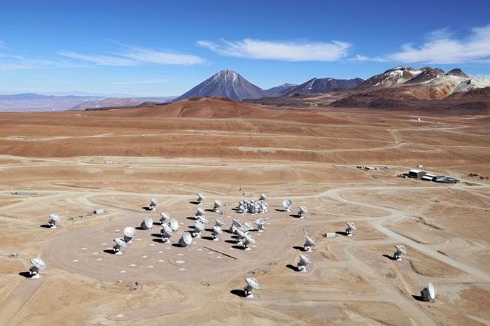 Credit: Clem & Adri Bacri-Normier (wingsforscience.com)/ESO