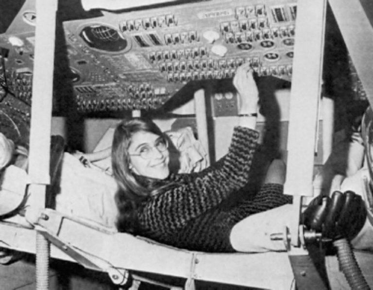 人類史上初の月面着陸…その直前に起きた危機から、アポロ11号を救ったのは?