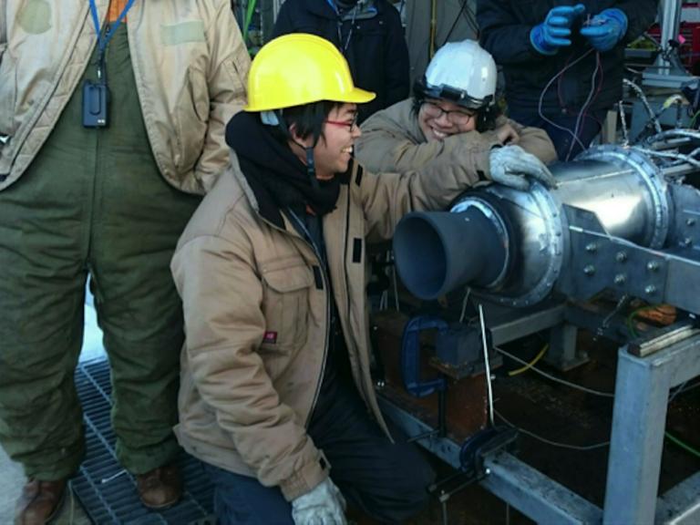 まるで福田さん!?ロケットに夢中な学生にインタビュー「宇宙学生」更新☆