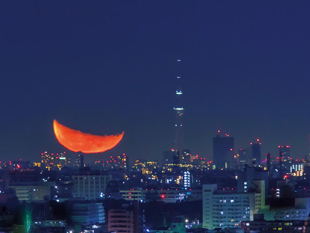スカイツリーとスーパームーン。身近な宇宙、月の絶景をお届け♪