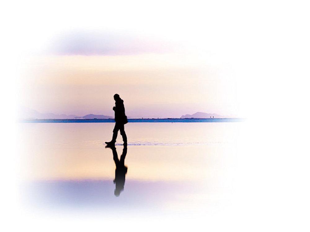 【KAGAYAフォトエッセイ『一瞬の宇宙』】第一章 宇宙の中の小さな自分に出会う(2/3)〜ウユニ塩湖で星の野原に立つ・ウユニ塩湖の真ん中で星空キャンプ〜