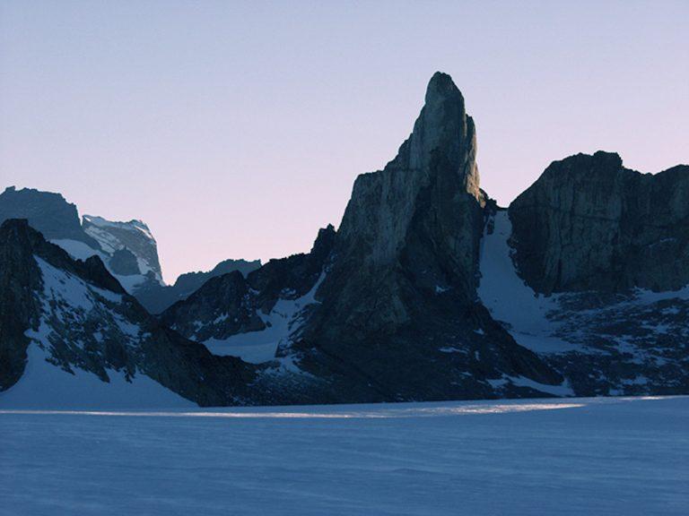 【KAGAYAフォトエッセイ『一瞬の宇宙』】第一章 宇宙の中の小さな自分に出会う 〜南極皆既日食(2/3)憧れの氷の世界〜