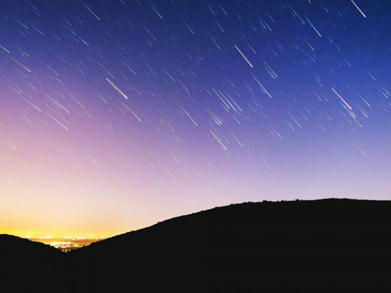 【8/11~8/13が見頃!】2019年の「ペルセウス座流星群」情報