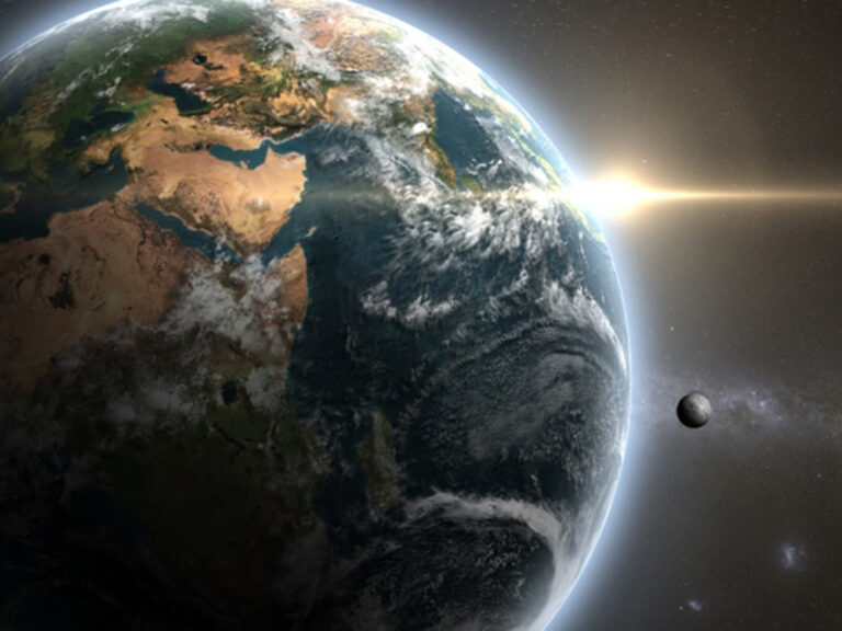 月や太陽はどのぐらい前の姿を見ているか?